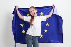 Unge och europeisk flagga Fotografering för Bildbyråer