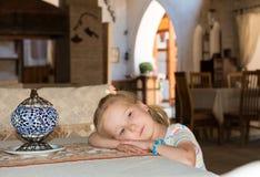 Unge på restaurangen Royaltyfri Foto