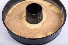 Ungebackene Mischung für selbst gemachten Kuchen lizenzfreies stockfoto