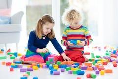 Ungelek med leksakkvarter illustrationtoys för barn 3d royaltyfria foton
