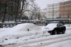 Ungereinigte Straße in St Petersburg Lizenzfreies Stockfoto