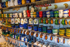 Ungersk handgjord keramik i byn Gyenesdias Fotografering för Bildbyråer