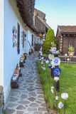 Ungersk handgjord keramik i byn Tihany Arkivfoto
