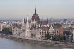 Ungersk parlament från Buda Hill Fotografering för Bildbyråer