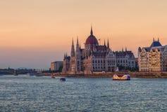 Ungersk parlamentbyggnad i Budapest, Ungern royaltyfri foto