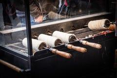 Ungersk tradition spottad kaka - Kurtoskalacs arkivbild