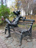 Ungewöhnliche Monumente in der Mitte von Izhevsk Lizenzfreies Stockfoto