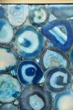 Ungewöhnlicher blauer Achatstein in der Platte Stockbilder