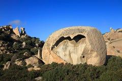 Ungewöhnlicher Felsen bei Notre Dame de la Serra Stockfotos