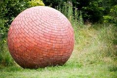 Ungewöhnlicher Ziegelstein-Ball Stockfotografie