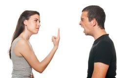 Unglückliche junge Paare, die ein Argument haben Lizenzfreies Stockfoto