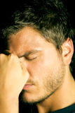 Unglücklicher deprimierter junger Mann Lizenzfreies Stockbild