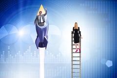 Ungleiches Karrieregelegenheitskonzept f?r M?nner und Frauen lizenzfreie stockfotografie