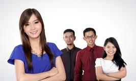 Ungt asiatiskt lag för affärsentreprenörer royaltyfria foton
