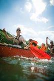 Ungt kanota för familj Royaltyfri Foto