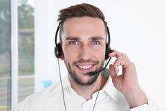 Ungt stiligt dispatcherarbete för teknisk service royaltyfri foto