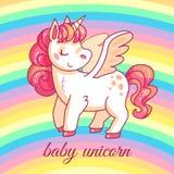 Unicórnio bonito do bebê pônei mágico feericamente dos desenhos animados no arco-íris Projeto de menina do vetor do t-shirt ou da ilustração royalty free