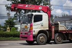 Unic V550 kran på den privata lastbilen Royaltyfri Foto