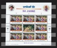 Unicef de la nación unida 50 años de sellos Foto de archivo libre de regalías