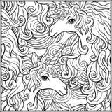 unicorn A composição consiste em um unicórnio cercado por um ramalhete das rosas Foto de Stock Royalty Free