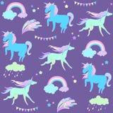 Unicornio azul en fondo púrpura con las banderas y los fuegos artificiales stock de ilustración