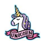 Unicornio con la cinta rosada en un fondo blanco Imagen de archivo libre de regalías