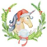 Unicornio de la acuarela de la Navidad con las guirnaldas y el sombrero florales de santa Fotos de archivo libres de regalías