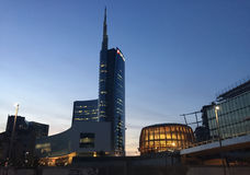 Unicredit-Turm und Pavillon Unicredit, Marktplatz Gael Aulenti, Mailand, Italien 03/29/2017 Ansicht von Unicredit-Turm Lizenzfreie Stockfotos