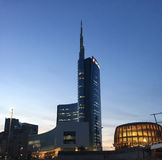 Unicredit wierza Unicredit i pawilon, piazza Gael Aulenti, Mediolan, Włochy 03/29/2017 Widok Unicredit wierza Fotografia Stock