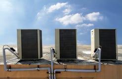 Unidad al aire libre de acondicionador de aire Imágenes de archivo libres de regalías