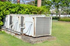 Unidad del compresor de acondicionador de aire imagenes de archivo