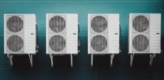 Unidad del condensador del acondicionador de aire Foto de archivo libre de regalías