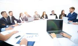 A unidade de negócio resume o crescimento financeiro da empresa Fotografia de Stock