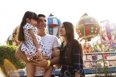 Unidade do parque de diversões das férias do feriado da família Imagem de Stock