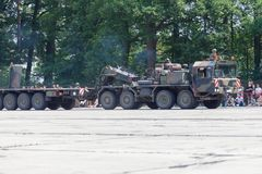 Unidade do trator de SLT 50 Elefant e transportador de tanque resistentes alemães Foto de Stock Royalty Free