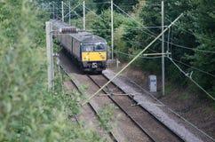 Unidade elétrica do transporte BRITÂNICO do trem na trilha Fotos de Stock