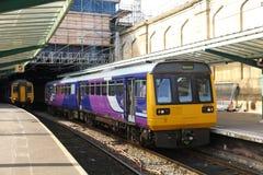 Unidade múltipla diesel da lebre na estação de Carlisle Foto de Stock