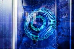 Unidades centrais seladas da sala no centro de dados grande com fundo tecnologico Imagens de Stock