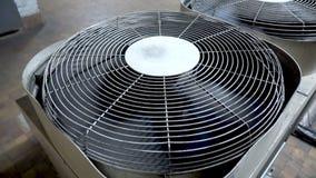 Unidades de aire acondicionado al aire libre grandes Compresor de aire grande de la fan almacen de video