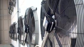 Unidades de aire acondicionado al aire libre grandes Compresor de aire grande de la fan metrajes