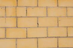 Unidades de creación que forman una pared amarilla Imagen de archivo libre de regalías