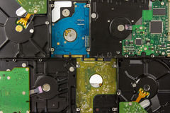 Unidades de disco duro múltiples que mienten cerca Imagen de archivo libre de regalías
