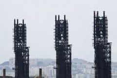 Unidades de la refinería de petróleo Foto de archivo libre de regalías