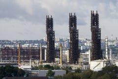 Unidades de la refinería de petróleo Fotos de archivo libres de regalías