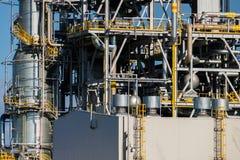Unidades para la producción de ácido nítrico en la planta del fertilizante foto de archivo