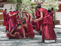 Unidentified monks debate at Sera monastery Royalty Free Stock Photos