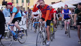 Unidentified partipants of L'Eroica, Italy. GAIOLE IN CHIANTI, ITALY - 5 OCT. 2014: Unidentified participants of L'Eroica, a historic public cycling event for stock video