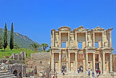 Unidentified tourists visit greek-roman ruins of Ephesus, Turkey Royalty Free Stock Photos