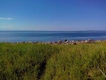 Unieke aard van Groot Zayatskyi-eiland, dat deel van Solovetsky-archipel, Witte overzees, Rusland uitmaakt stock afbeelding