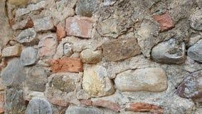 Unieke architectonische uitstekende muur van bakstenen in een kasteel Toscanië Italië royalty-vrije stock foto